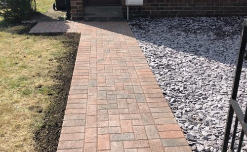 New block paving with low maintenance plum slate